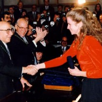 receiving-the-Motsenigos-Prize-from-the-Academy-of-Athens